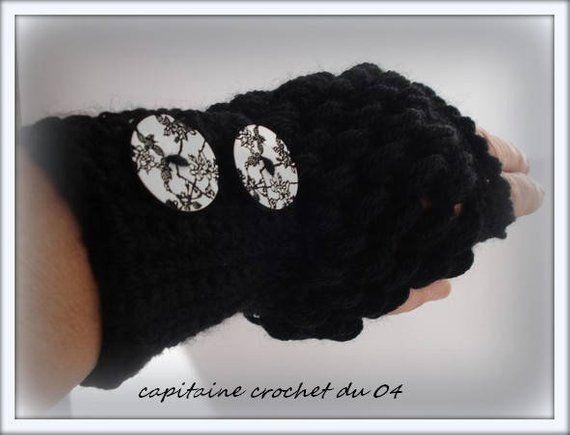 Mitaine en laine noire/mitaine femme/gant femme/mitaine sans doigts/gants laine/cadeau femme/fait main au crochet par capitaine croch