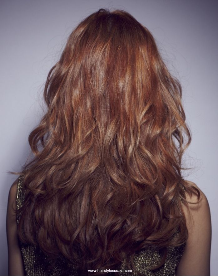 Check Out Long Curly Hairstyles With Layers Back View We Watch Out For The Best Hairstyle Trends Long Hair Styles Front Hair Styles Medium Length Hair Styles