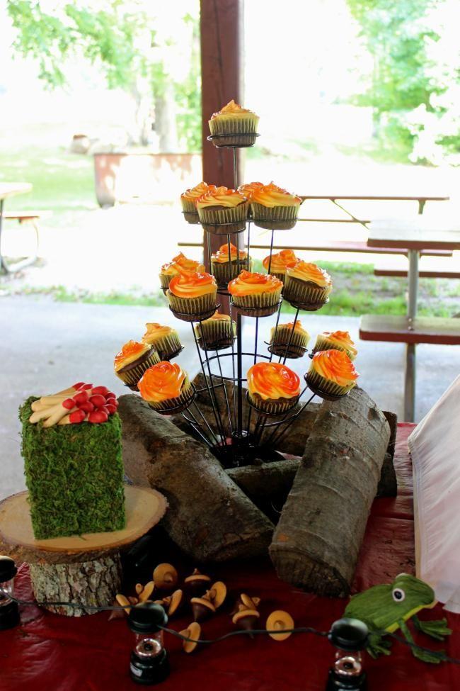 boys camping party cupcakes