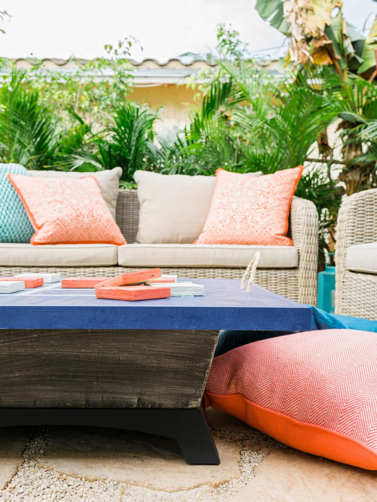 Diy network experts discuss the best ways to clean outdoor cushions canvas seats and chair backs and white and colored plastic