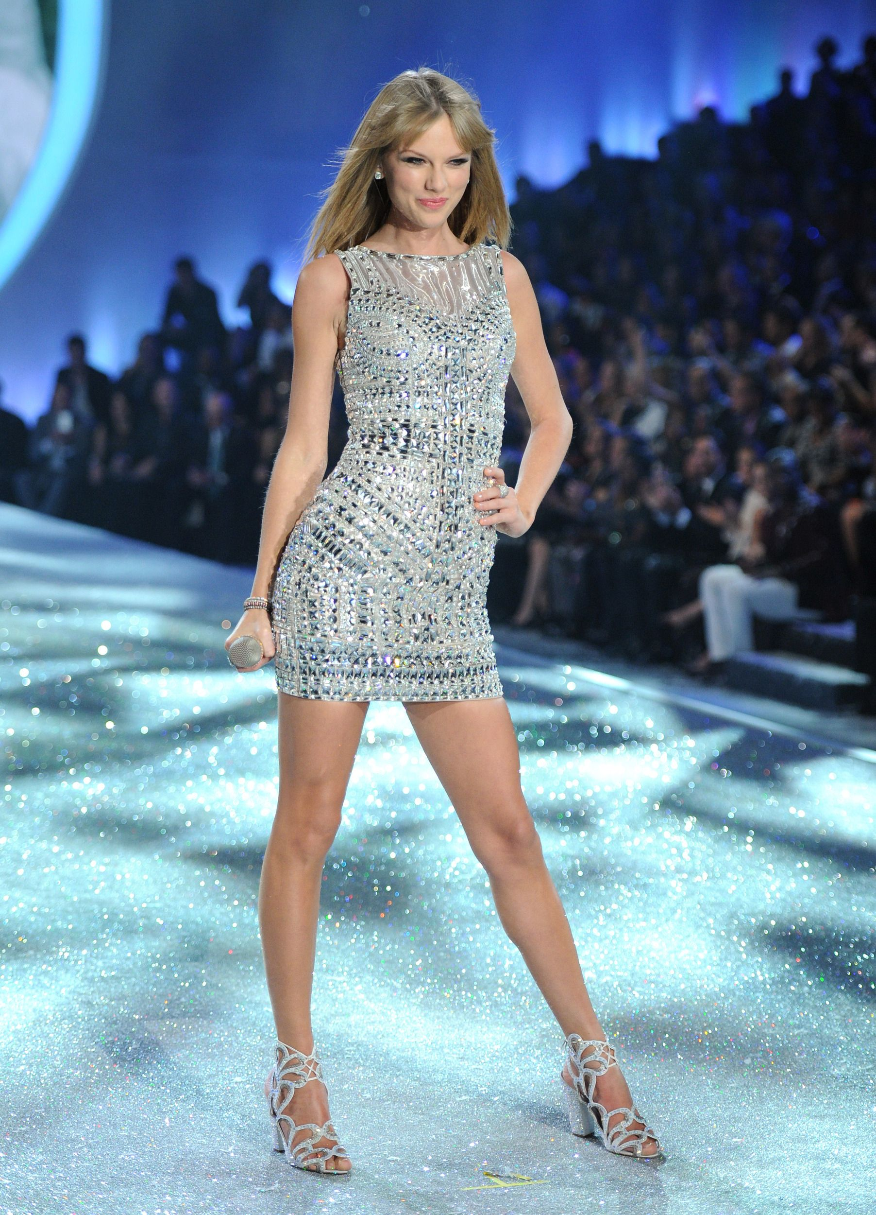 Sparkly Sliver Mini Dress Nicholas Kirkwood Sandals 1 668 Taylor Swift Outfits Taylor Swift Taylor Alison Swift