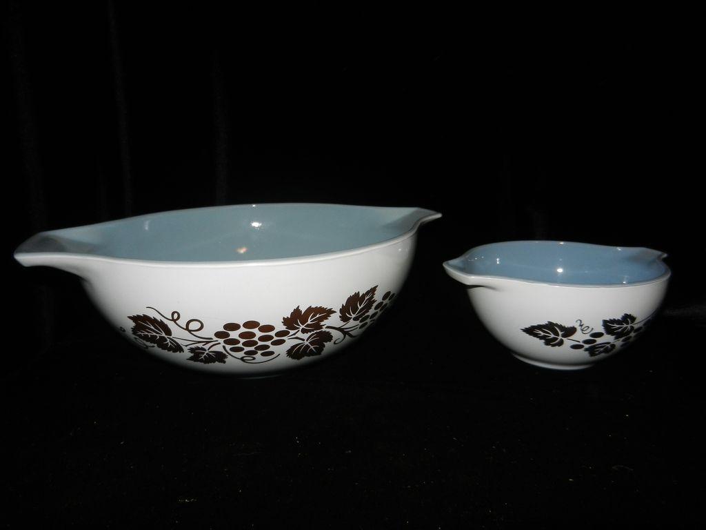 Vintage Golden Grapes Promotional Cinderella Delphite Bowls | Pyrex ...
