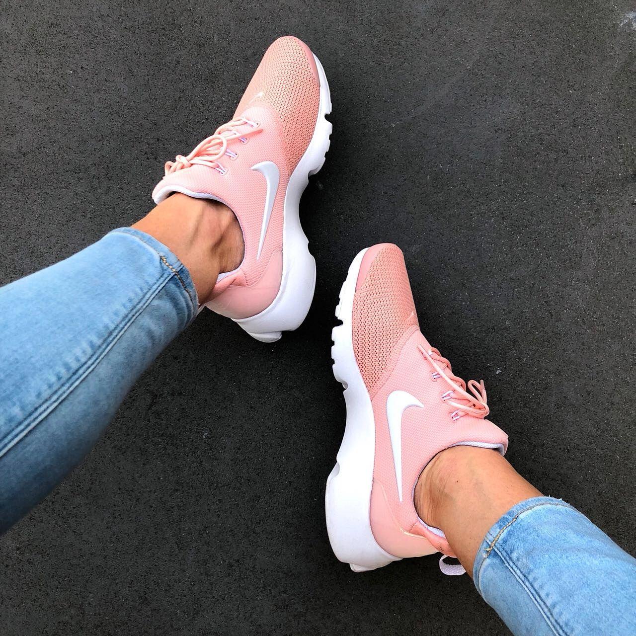 Nike Presto Fly Coral Stardust White Snkraddicted Com Sommerschuhe Schuhe Damen Sommer Nike Presto