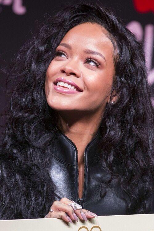 Rihanna Curly Hair Long Hair Dont Care Rihanna