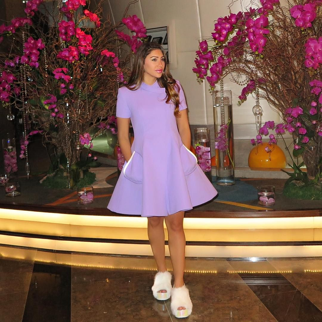 "369 Me gusta, 34 comentarios - Maya Williams مايا وليمز (@fashionlollipopblog) en Instagram: ""Loved the atmosphere and restaurant at @chezlouisdubai - wearing @paulcostelloewoman #CoatDress 💜…"""