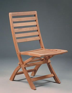 4 Wooden folding chairs this coloring or a little darker like