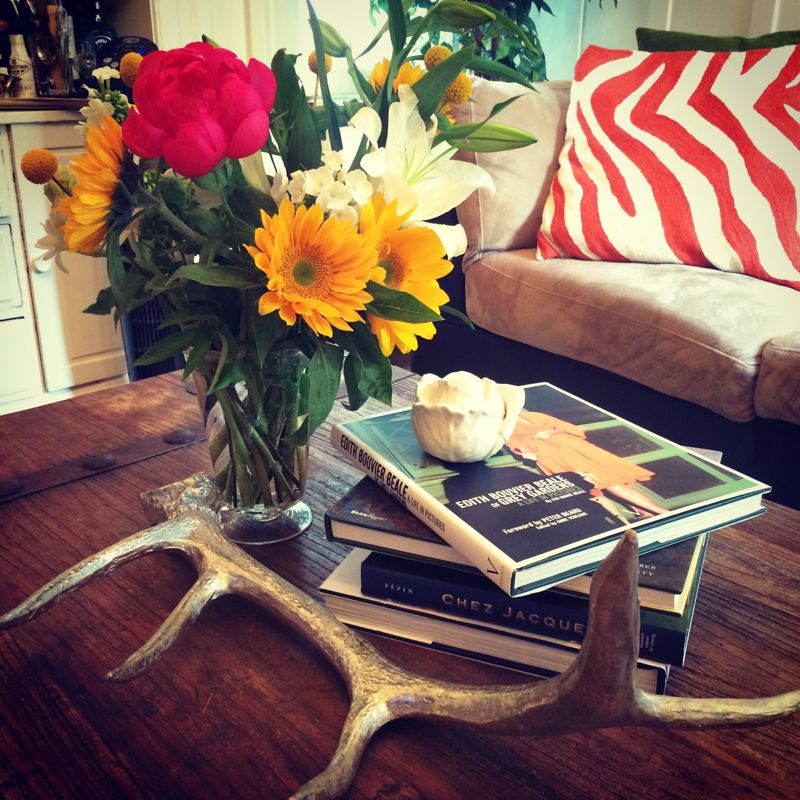 Coffee Table Perfection- Spring Coffee Table Decor by dbsobsessed.com