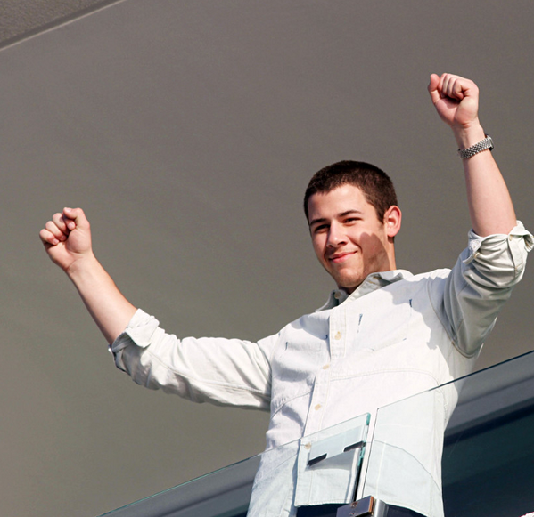 Nick waving to fans in Vina Del Mar, Chile. February 26, 2013 #JB2013
