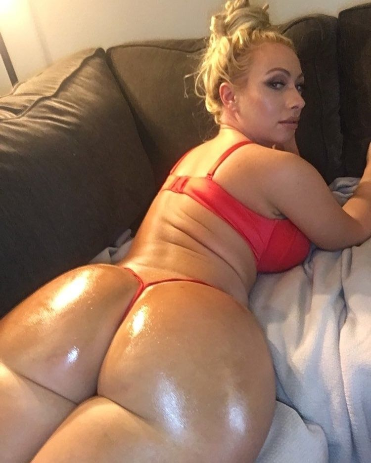 2 big white asses 1 little dick pawg 2