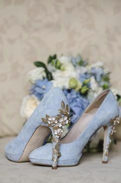 fe86aac168e Alexandra wears Amy Blue Blossom | fashion inspiration | How to wear ...