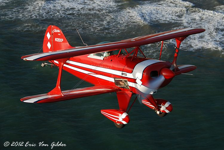 Sammy Mason air-to-air in the Pitts S-1S