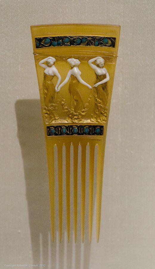 Lalique 1897-98 'Ballerinas' Comb: horn/ ivory/ gold/ enamel, pine cone (Pinus) borders, CG 1183