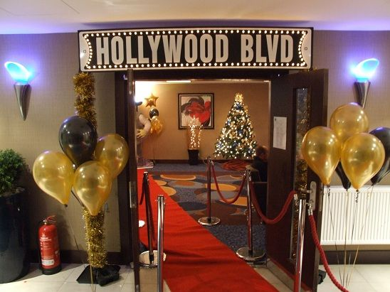 themed parties peach entertainments - Hollywood Party Decorations