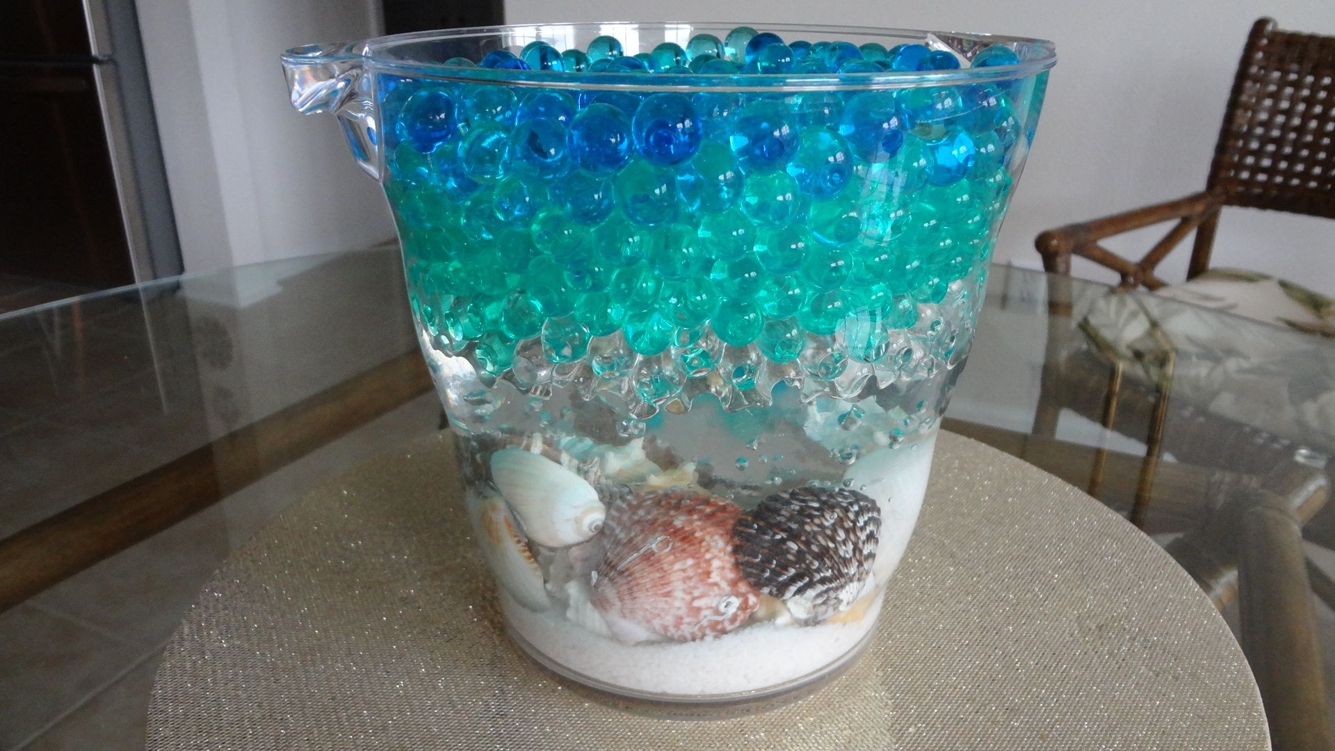 Water bead centerpieces vase with seashells