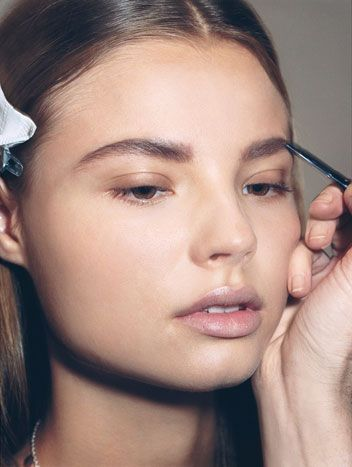Book an 'Ultimate Brow' with us and learn all the tricks to faking the perfect brow!