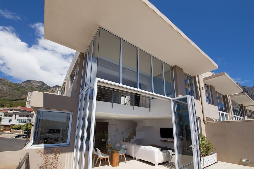 Prime 3 storey cape town penthouse apartments for rent for Apartment plans south africa