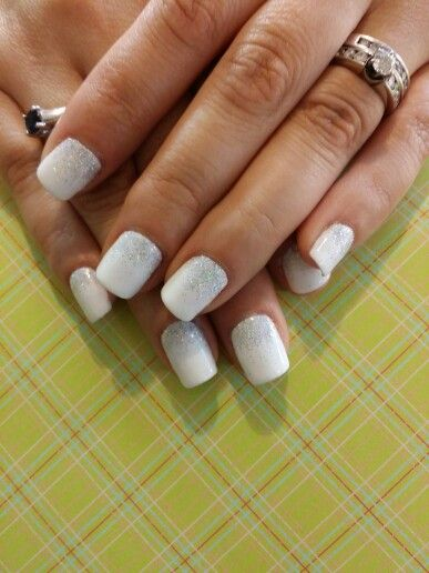 Shellac nail design #creampuffwhite #cndadditives #silversparkles #bride #love #CNDWorld