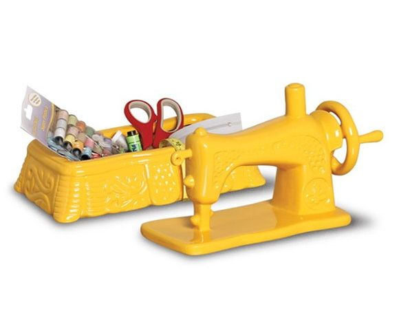 Enfeite Mini Máquina de Costura Amarela