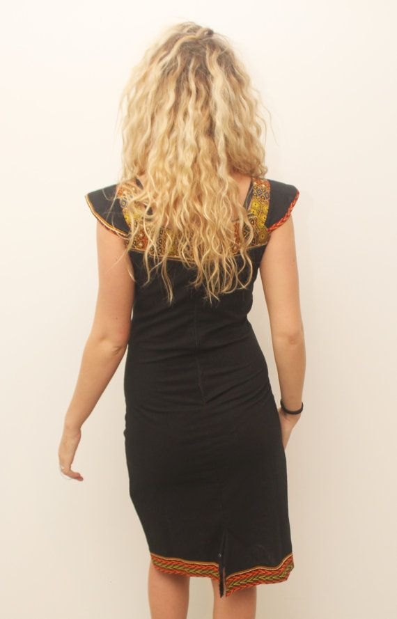 Robe crayon coton noir dashiki sans manche  Robe légèrement élastique  Size guide  - Taille / Size XS / FR 34 / US 6 / UK 6 - Chest size 86 -