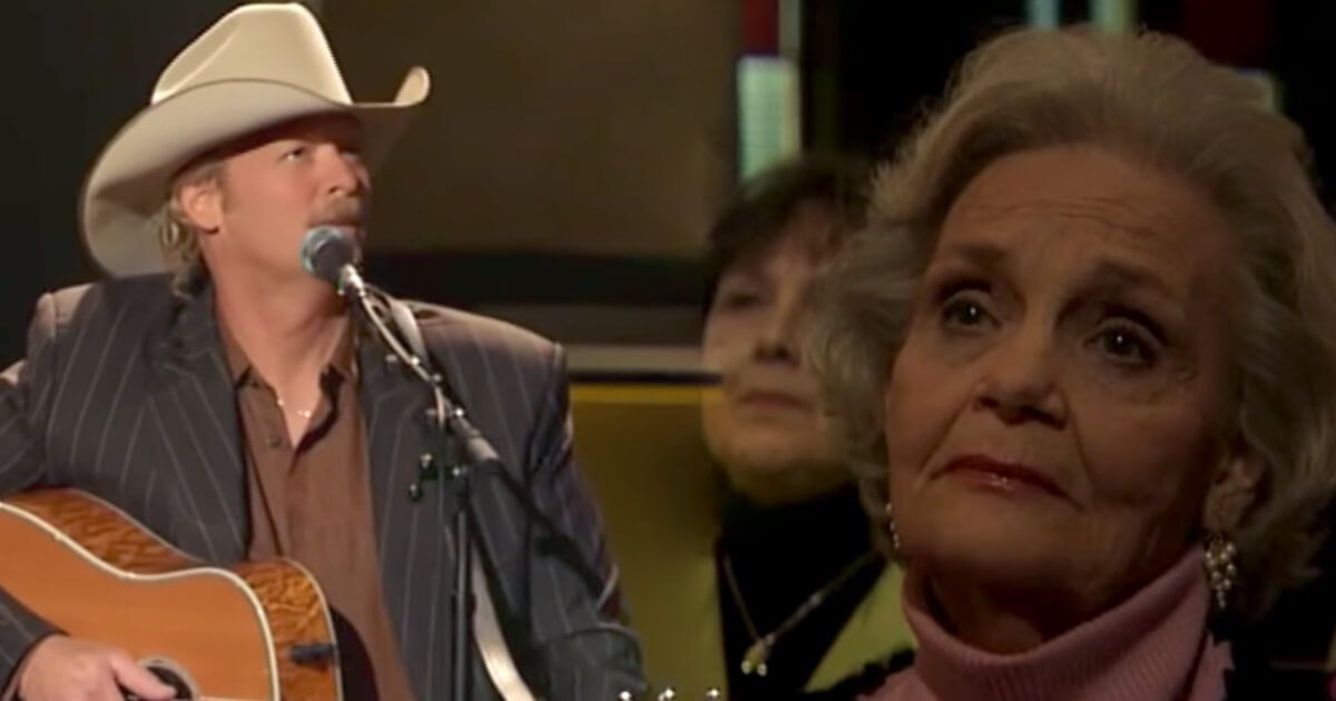 That Moment Alan Jackson Sang His Tear Jerking Hit To His Mom