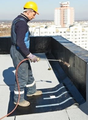 Replacing Your Roof Is Something You Ll Eventually Have To Do Here Are 5 Ways To Make Th Commercial Roofing Systems Commercial Flat Roof Flat Roof Replacement