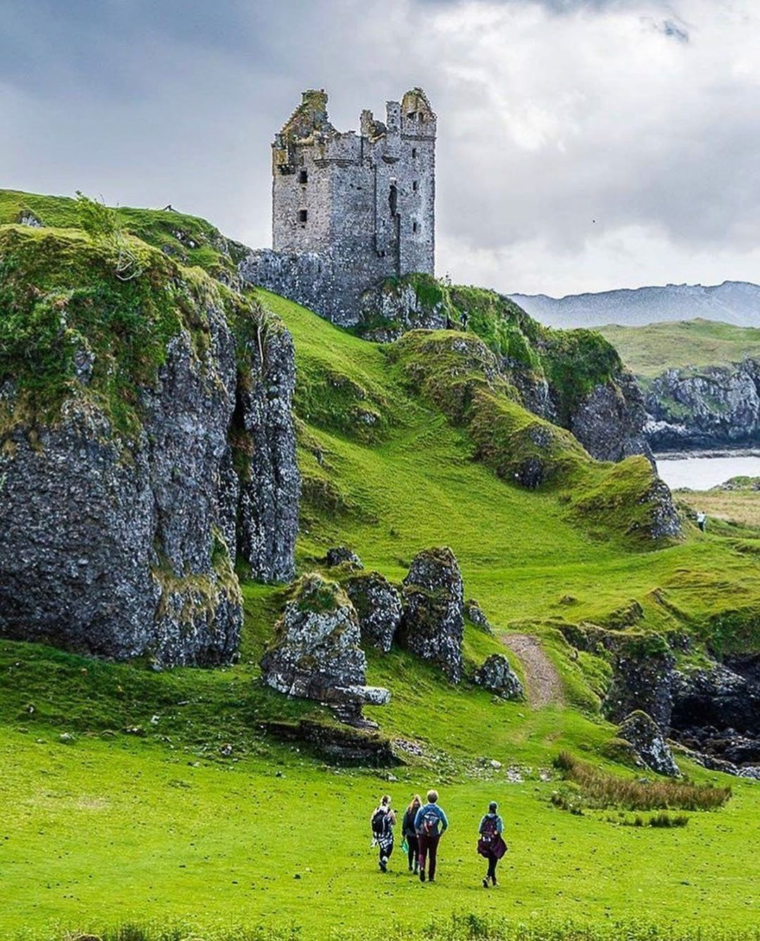 """Scotland BDM on Instagram: """"Gylen Castle is a ruined castle, or tower house, at the south end of the island of Kerrera in Argyll and Bute, on a promontory overlooking…"""" #castles"""