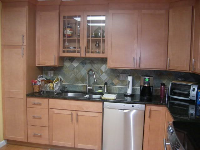 natural maple shaker cabinets and dark granite countertops ... on Natural Maple Cabinets With Black Granite Countertops  id=83123