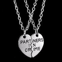 8ff979edfb27 Dije Corazón Partido Mejores Amigos Partners In Crime