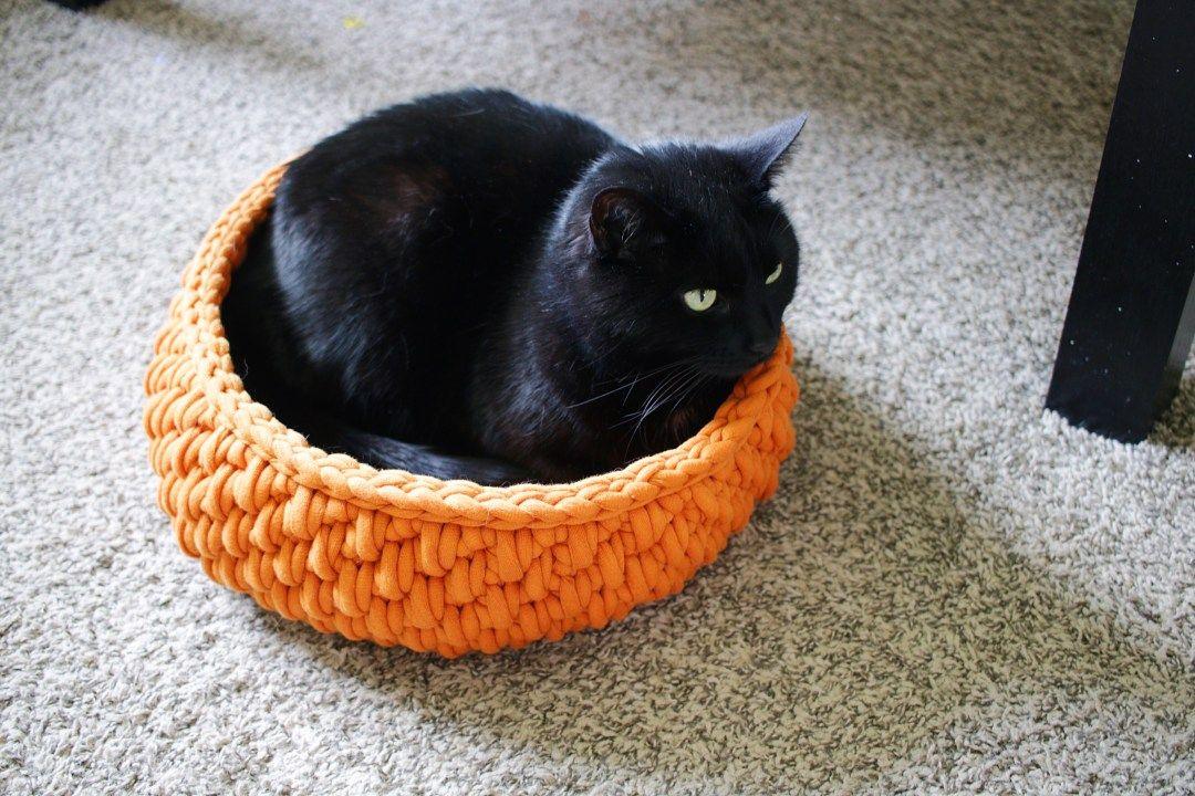 Chunky Finger Crochet Cat Bed Pattern Chunky Crochet Pet Pod Etsy Crochet Cat Bed Cat Bed Pattern Crochet Cat