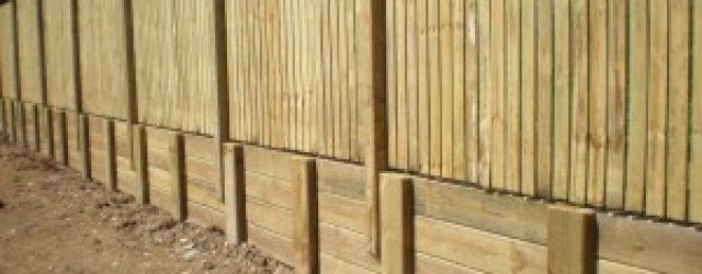 Fence Posts Cemented Into Retaining Wall 1 | Woodwork Plans | Detail ...