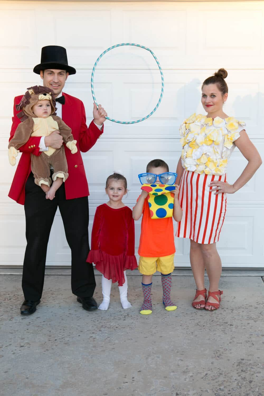 Cute Ideas For Family Halloween Costumes.Pin On Halloween