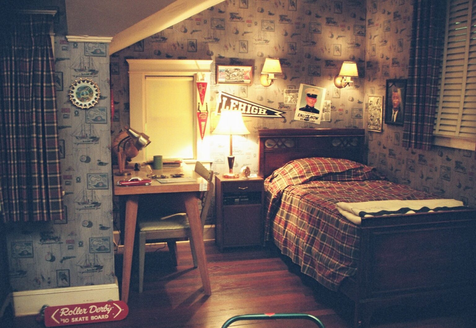 Image Result For 80s Nerd Room Aesthetic Cool Boys Room Aesthetic Bedroom Nerd Bedroom