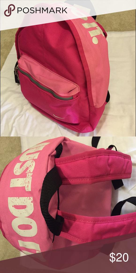 476564e6d60 Nike mini (kids) backpack Used 2 or 3 times   very cute Nike Bags Backpacks