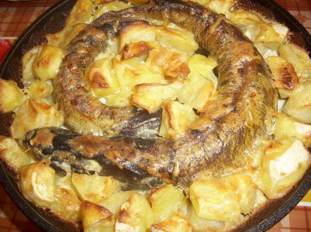 Щука в духовке с картофелем рецепты целиком194