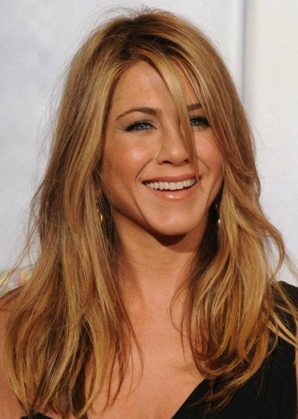 Heres Jennifer Anniston With A Caramel Blonde Hair Color Hair