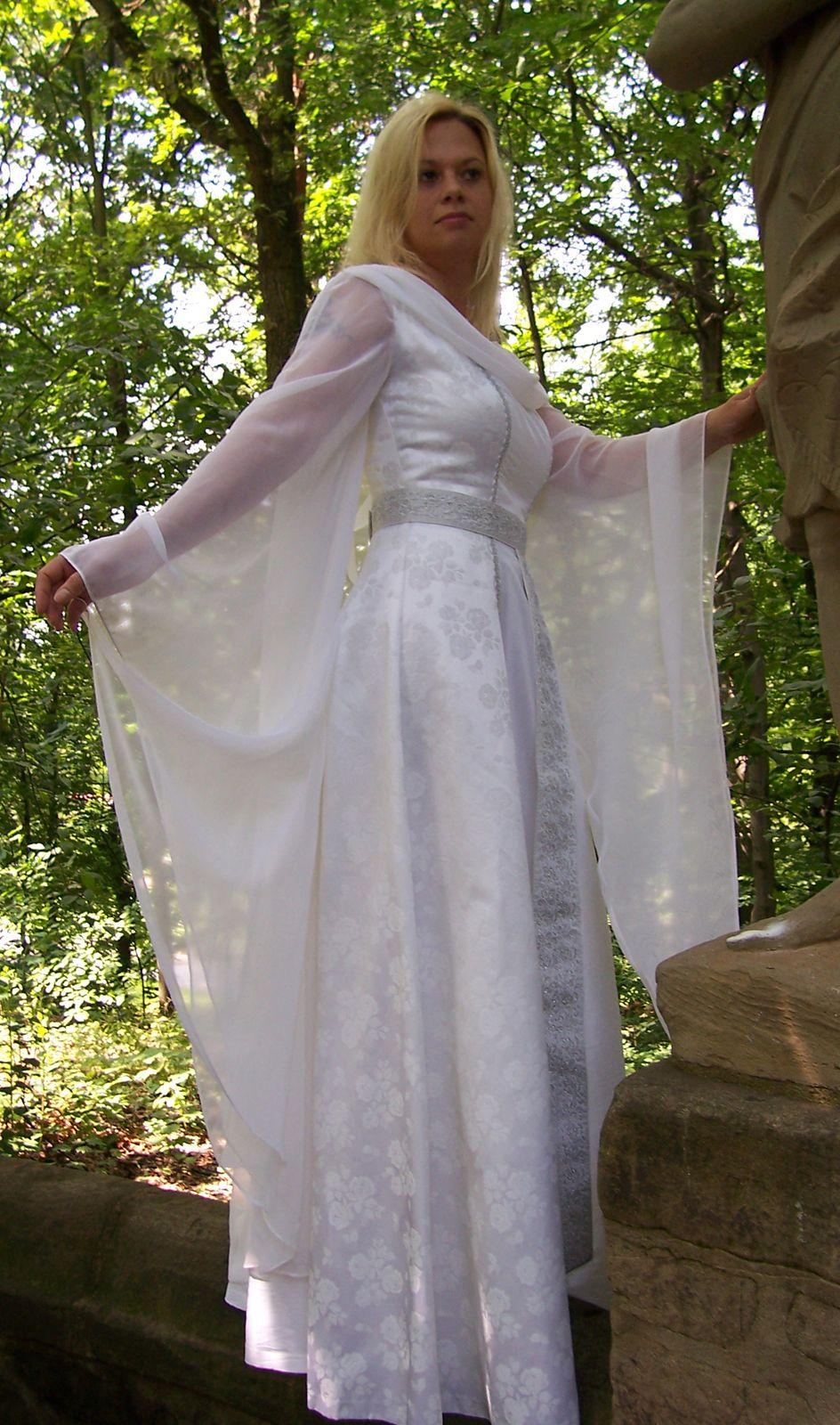 Hochzeitskleid Mittelalter | Mittelalter Hochzeitskleid | Pinterest ...