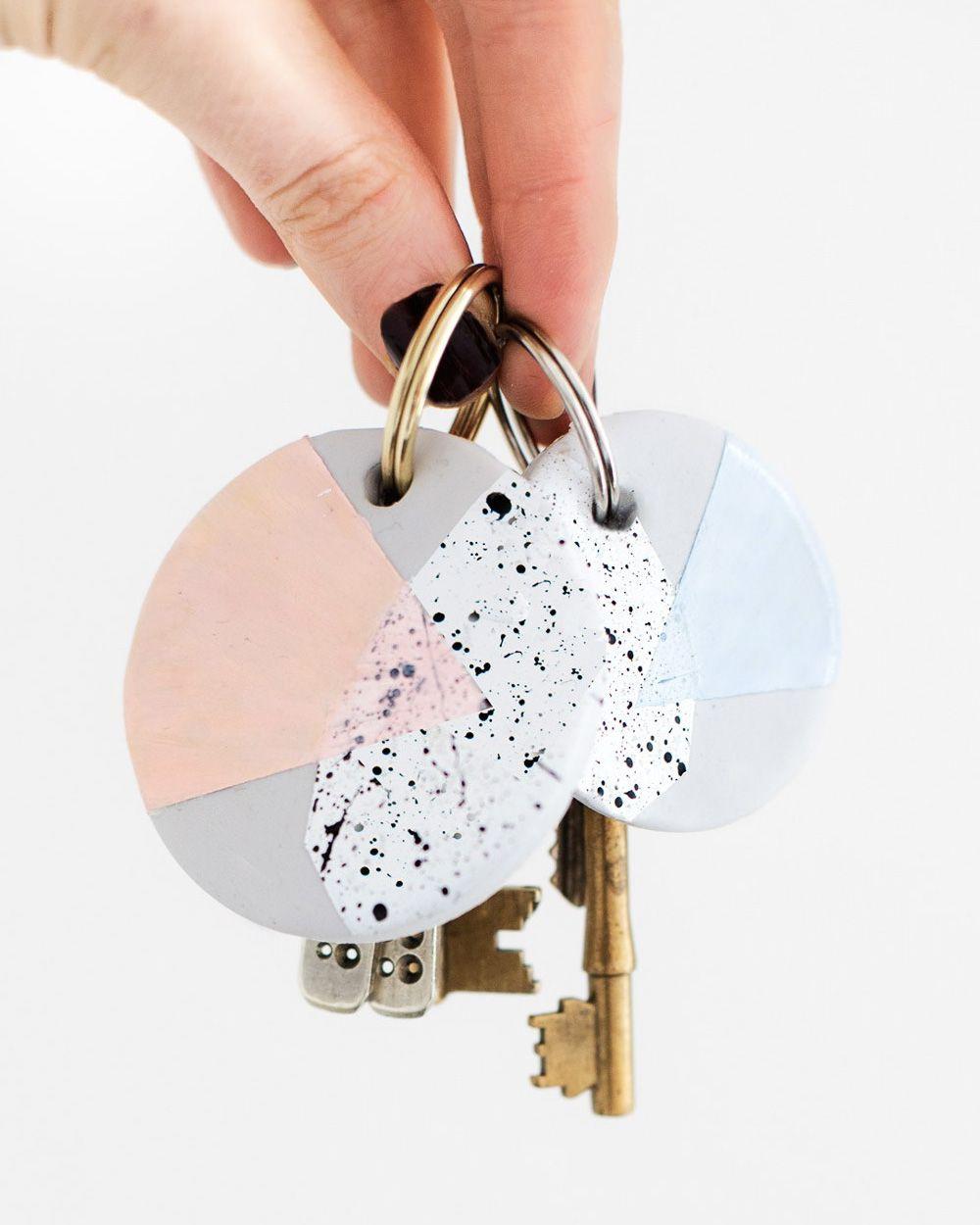 Un porte cl diy diy bijoux jewelry diy diy porte cl s fimo et bricolage - Porte cle diy ...