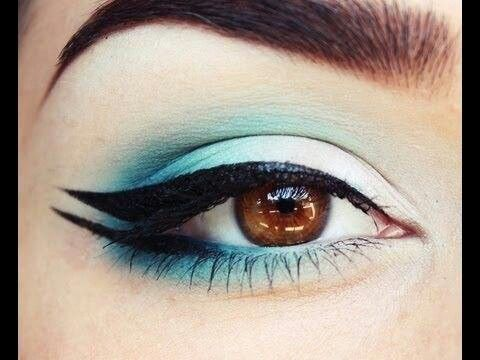 Double wing eyeliner def going to try it but I do def love my cat eye wing eyeliner ❤️