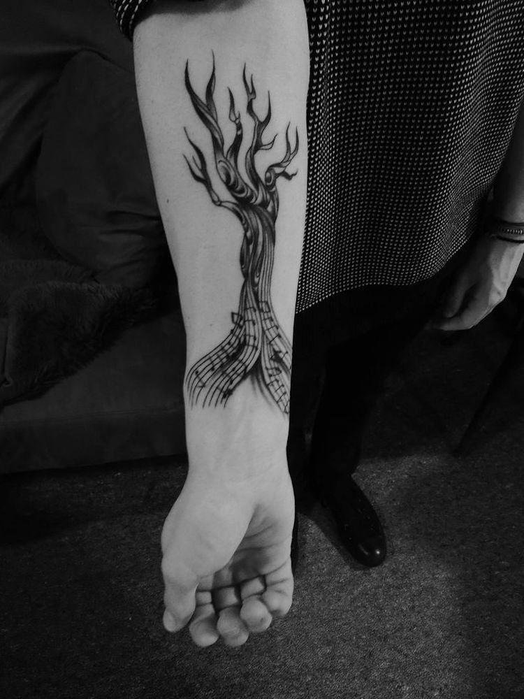 Tatouage Arbre Racines Notes Musique Avant Bras Homme Tattoosformen