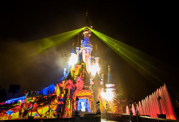 Suggestions for viewing this great Disney Parks show!