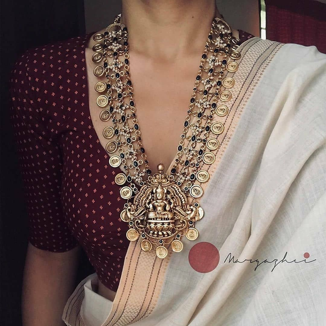 Classic Necklace Designs To Flaunt With Festive Sa