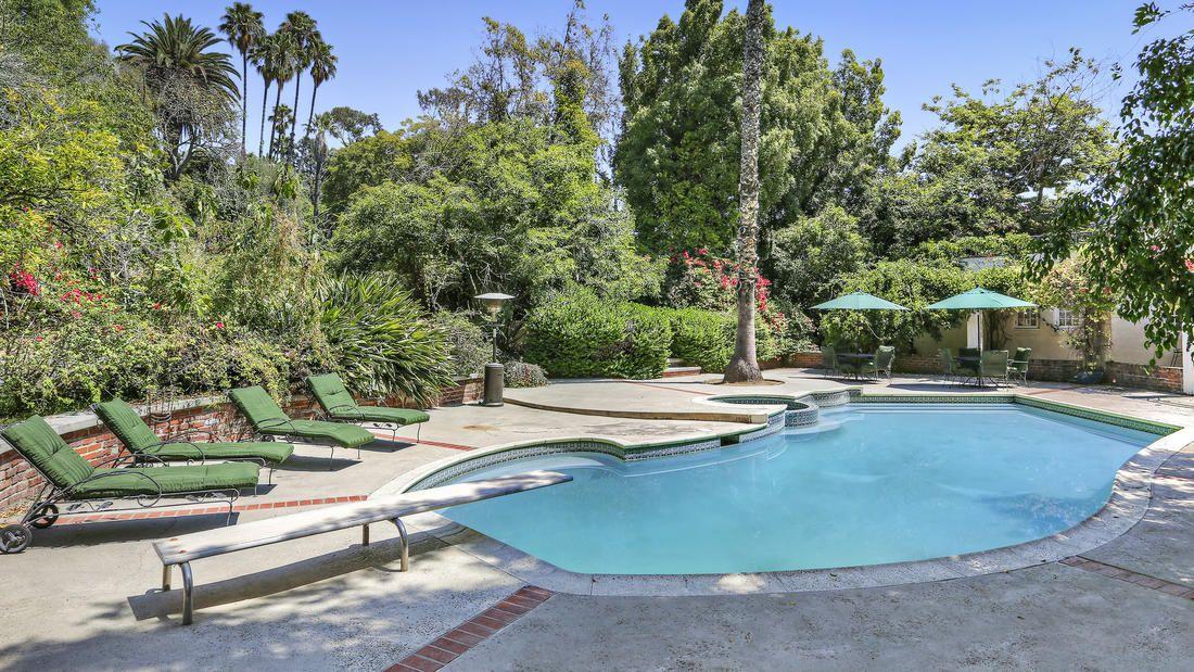 Peek Inside Kristen Bell and Dax Shepard\'s New Los Feliz Home | Dax ...