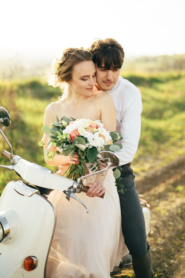 Adorable bride and groom having ride on vespa | engagement session | fabmood.com #wedding #weddingportrait