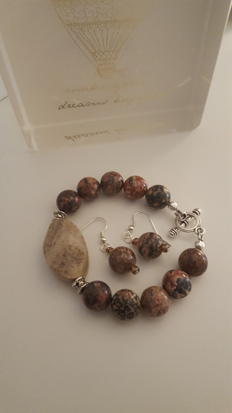 Bracelet & Earrings - Stones that show class, by Elenor Creations