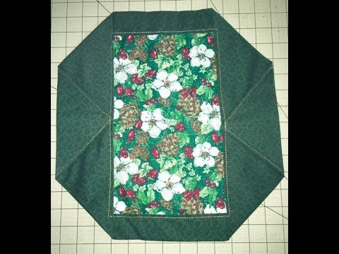 This 10 Minute Place Mat Is A Twist On The 10 Minute Table Runner And Still Takes Just About 10 Minutes For T Fabric Origami Quilting Projects Fabric Coasters