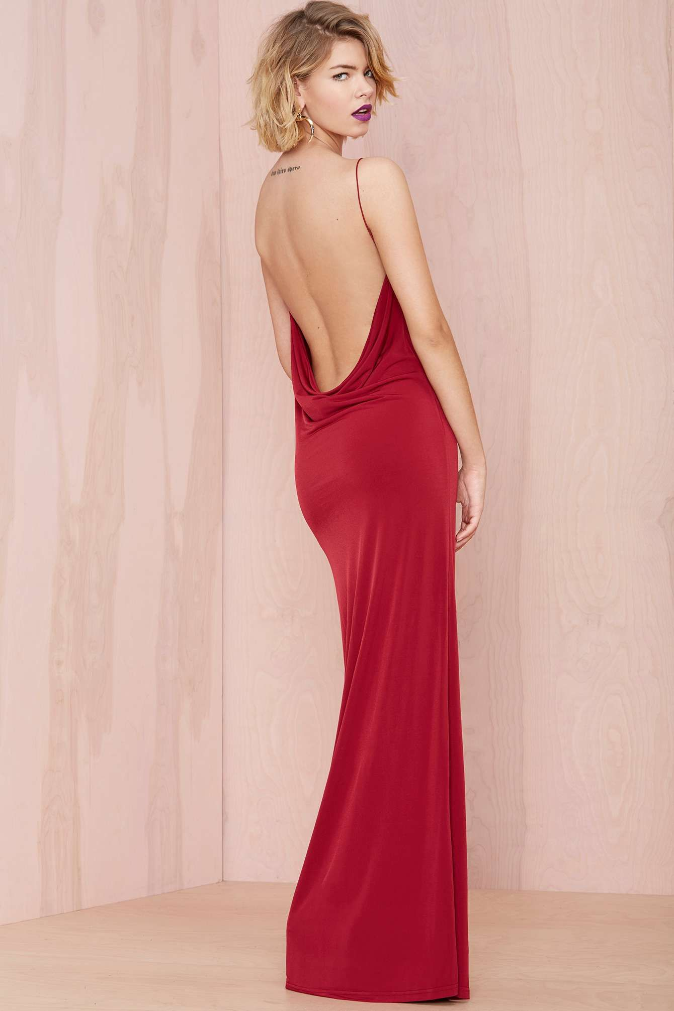 Backless gown | obsessed with the dress.... | Pinterest | Rojo ...