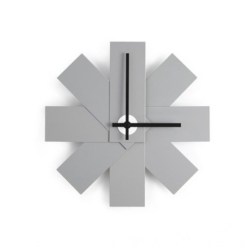 Normann copenhagen watch me wall clock grey   www.emma-b.nl
