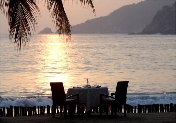 The most #romantic place to dine at Viceroy #Zihuatanejo: on a #private #beach at sunset