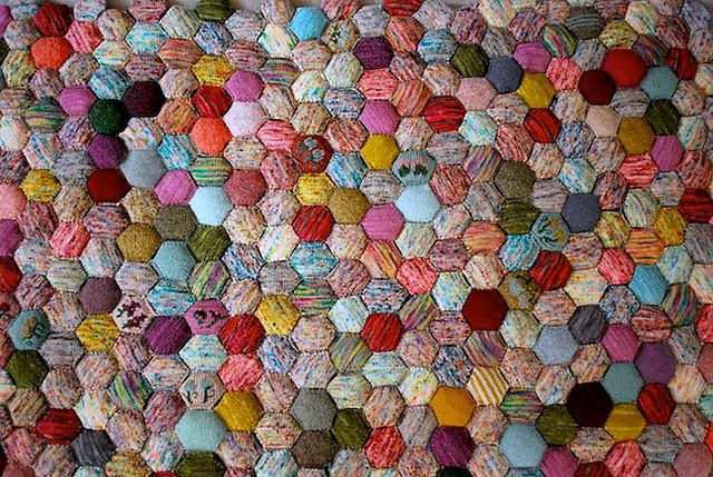 What a cute knitted quilt!!!