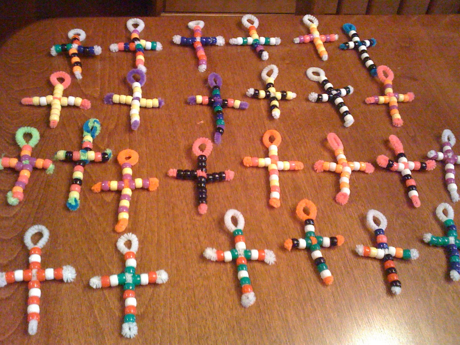 cross necklaces made from pipe cleaners and beads easy craft to